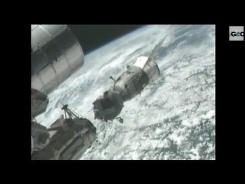 La Soyuz 37 llega a la estación espacial internacional. Expedición NASA