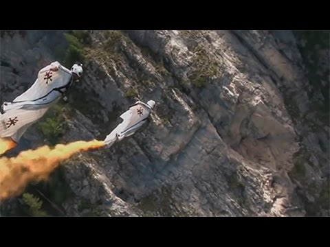 Joby Ogwyn salta desde el Everest